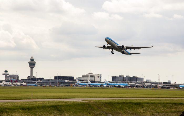 Vliegtuig-Schiphol-700x442.jpg