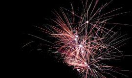 Vuurwerk-achter-boom-Vivian-Tusveld-1-270x160.jpg