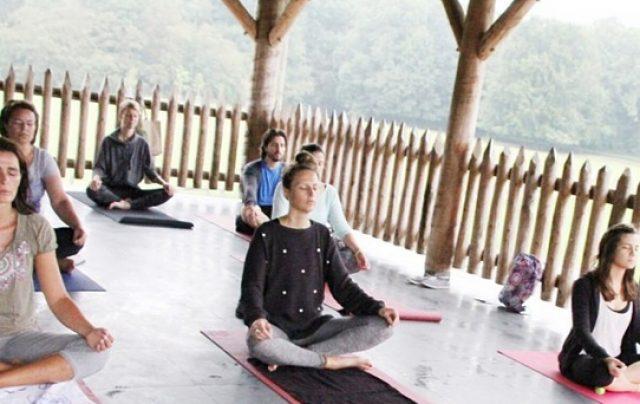yoga-geitenboerderij-urbanmoms_nl-640x404.jpg