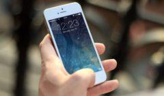 hand-iphone-macro-40011-240x140.jpg