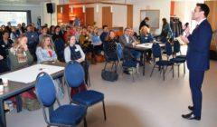 Wethouder-Van-Ballegooijen-opent-bijeenkomst-over-geestelijke-gezondheidszorg-in-de-wijk-240x140.jpg