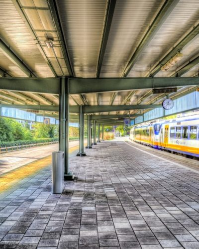 station-amstelveen-pixabay-400x500.jpg