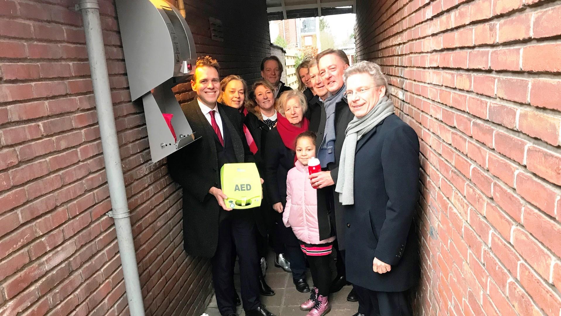 Amstelveen biedt subsidie aan voor aanschaf AED en buitenkast - RTV Amstelveen